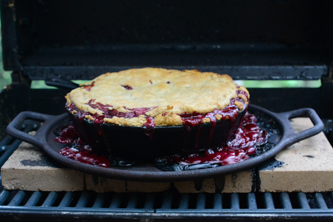 rhubarb-raspberry pie baked in a barbecue // Wayward Spark