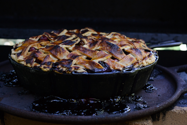 gooseberry-blackcap pie // Wayward Spark